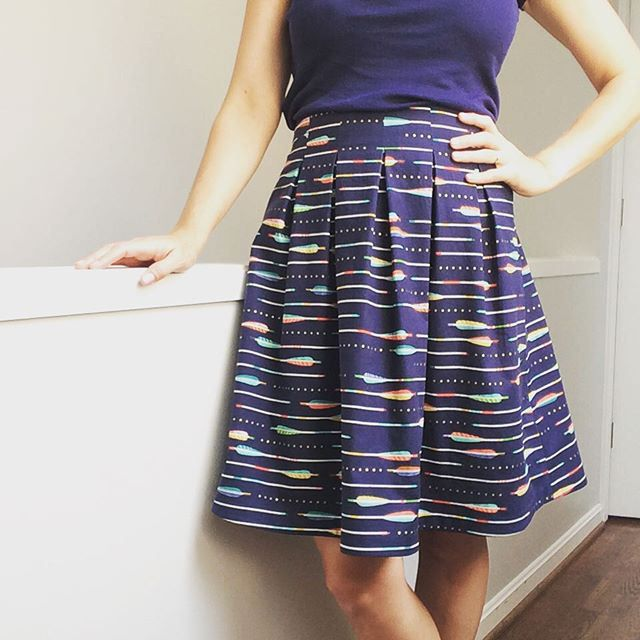 2015.07.26 Pattern: Chardon Skirt by Deer and Doe Fabric: Arrows in Navy Metallic, Melody Miller for Cotton and Steel (main), XOXO in…