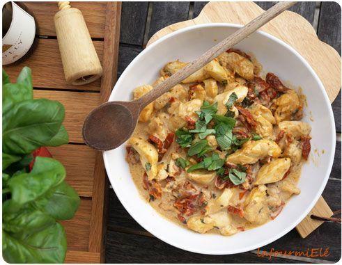 Poulet crémeux aux tomates séchées, parmesan, et basilic ! #food #yummy !