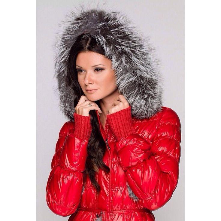 . . . #ツルツル #デカデカ #ナイロン #光沢 #シャイニー  #フェチ #ダウン #ダウンジャケット #ダウンコート #ファッション #コーデ #冬コーデ #ママコーデ #slippery #shiny #puffy #puffer #nylon #fetish #down #downjacket #downcoat  #pufferjacket #puffercoat #fashion #doudoune #dounen #piumino