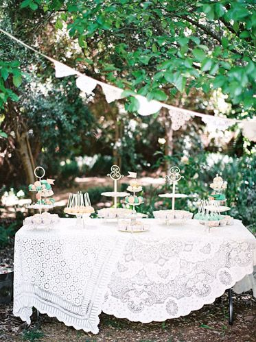 Antique Lace Linens in Wedding | photography by http://featherandstone.com.au/