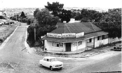 Corner Doncaster and Williamsons rd 1960. Photo taken from where Shoppingtown is now. Elgar rd was realigned sometime after. I believe the road on the LHS is Elgar rd.