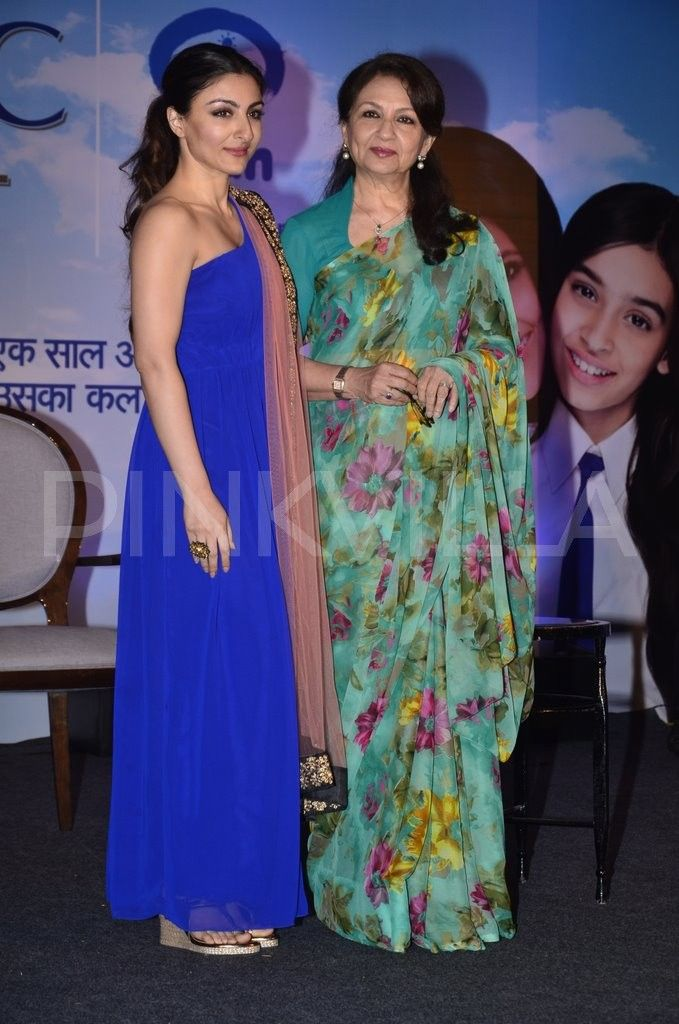 Mother-daughter duo Sharmila Tagore , Soha Ali Khan lend support to Clinic Plus' new campaign