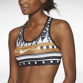 Nike Store. Women's Clothing