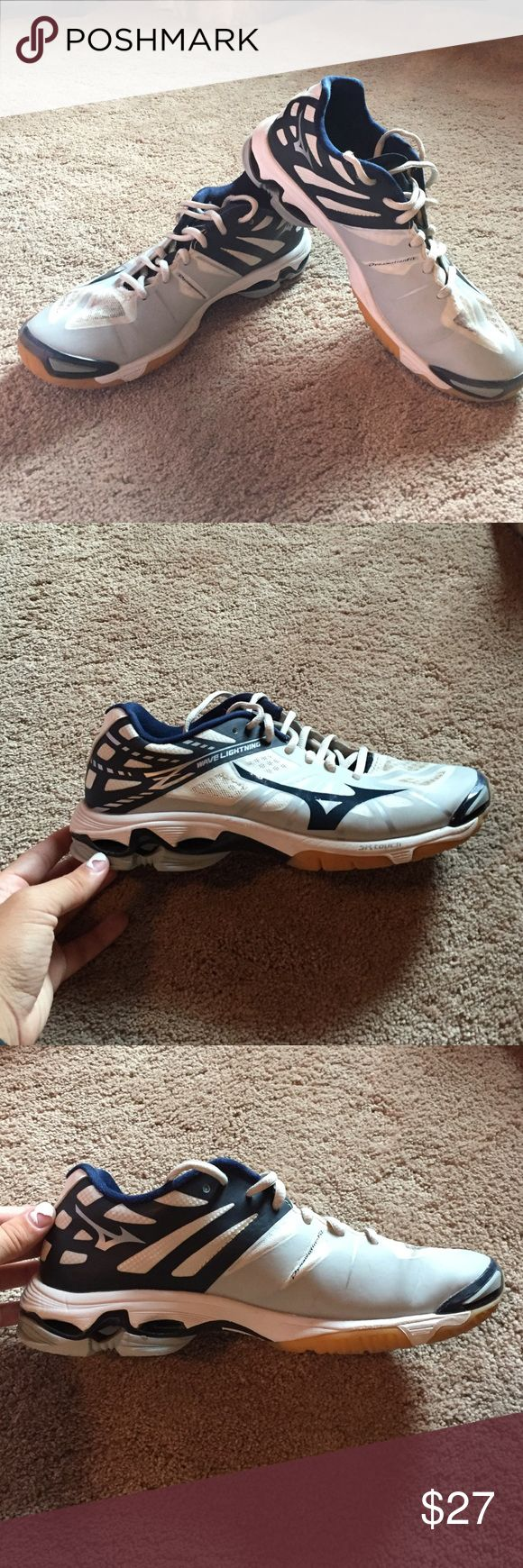 Volleyball Court Shoes Mizuno Volleyball Shoes, worn a few games but still in great condition. Never wore them outside, only in gym. Mizuno Shoes Athletic Shoes