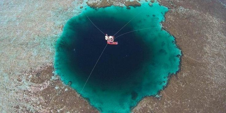 Драконья нора - самая большая голубая дыра на планете