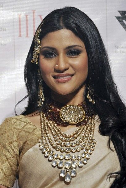 @ konkana sen sharma wearing amrapali jewellery
