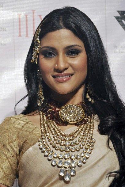 @ konkana sen sharma wearing amrapali jewellery
