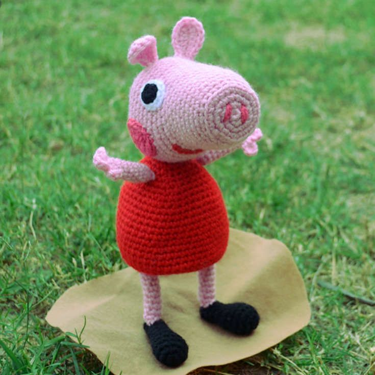http://wixxl.com/peppa-pig-red-dress/ Peppa Pig Amigurumi ...