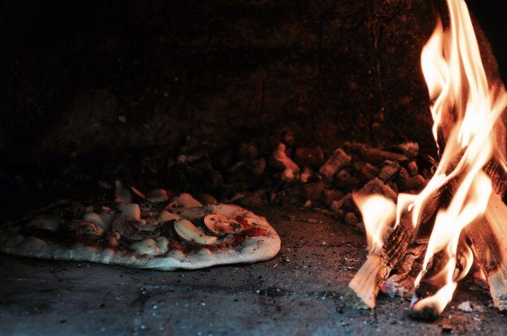 Pizza aus dem Holzofen! #coboven #lehmofen