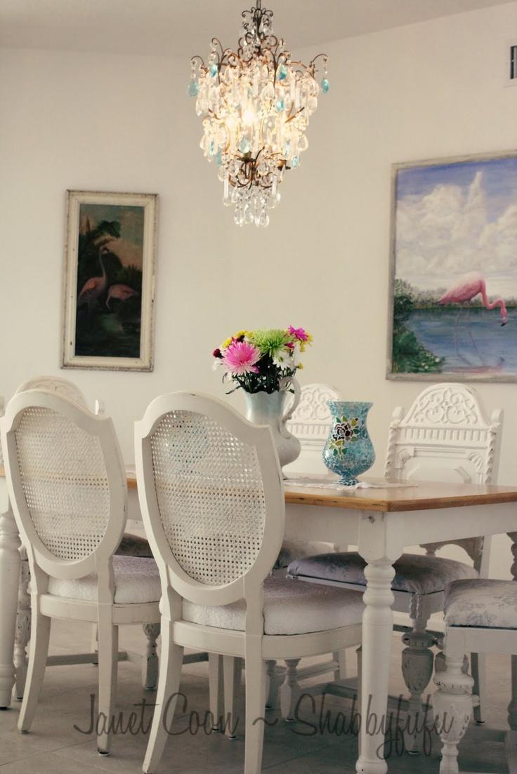 Salas de jantar estilo cottage shabby chic acervo de - Estilo shabby chic ...