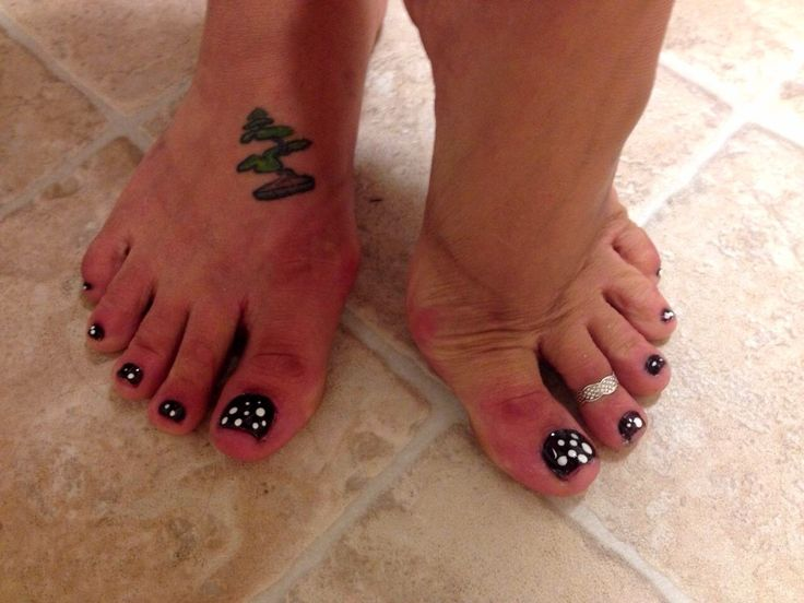 Foot tattoo tattoo 39 d feet fresh out of the shower for How to shower with a new tattoo