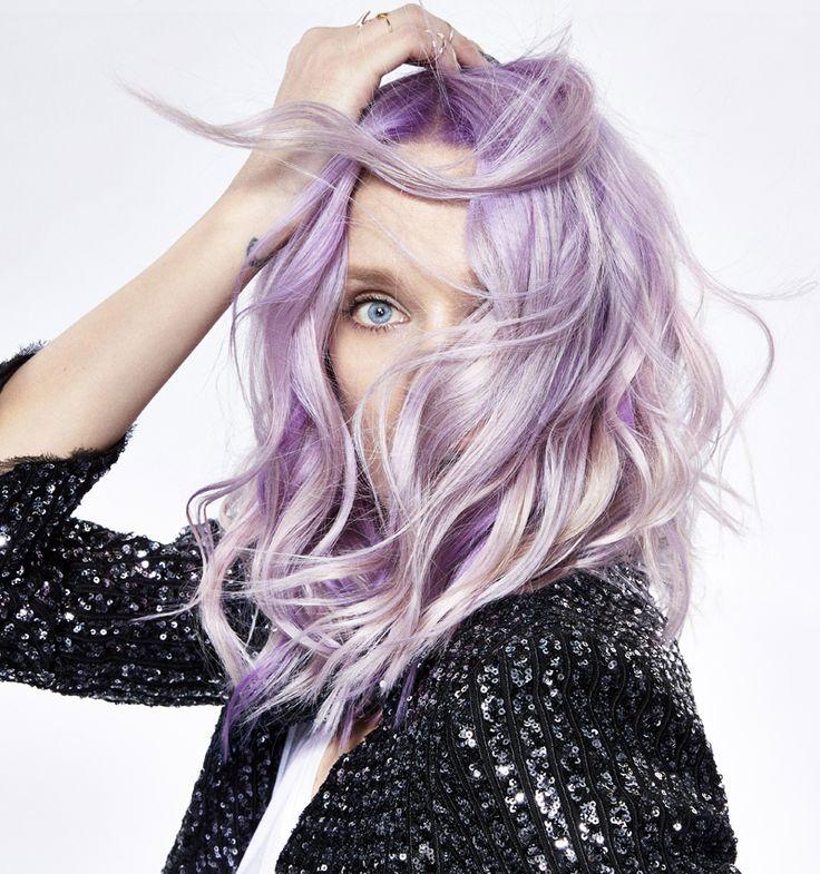 Capelli primavera 2017: a tutto colore  https://www.vanityfair.it/beauty/trend-beauty/2017/04/10/colore-capelli-primavera-2017-pastello-rainbow