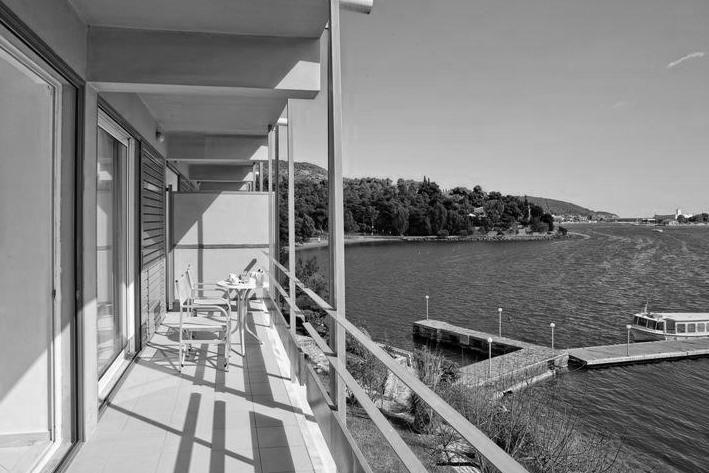 Aris Konstantinidis | Hotel Xenia, 1961-64 Poros. ... - UNAS QUE ENCONTRÉ