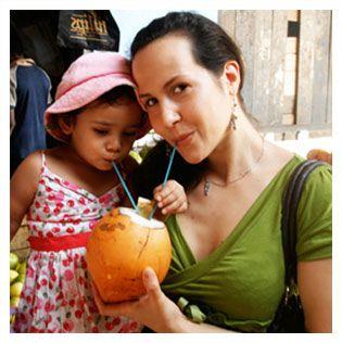 En dessert : crème de coco fouettée savament préparée par Marise des produits équitables et biologiques Arayuma