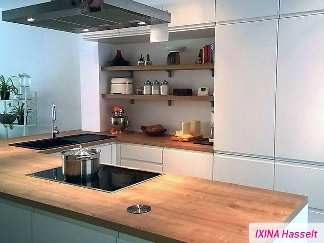 Keukenrealisatie ixina hasselt greeploze keuken for Cuisine ixina