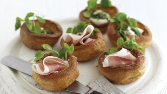 Mini Yorkshire Puddings with Parma Ham and Cream Cheese