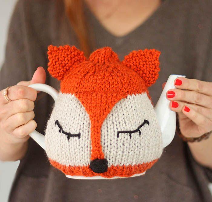Fox Tea Cosy Free Knitting Pattern with Vanna's Choice Yarn