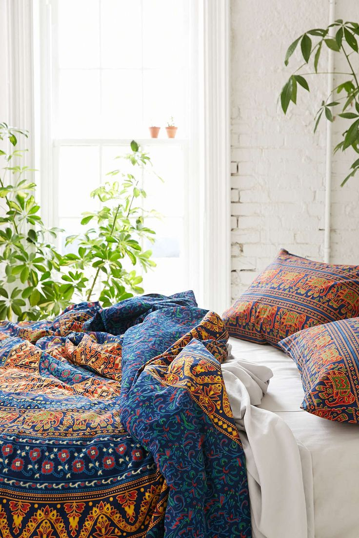Magical Thinking Circle Medallion Duvet Cover - Urban Outfitters