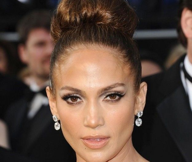 Jennifer Lopez con chignon
