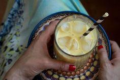 Wer noch nie einen Kurkuma Shake getrunken hat, hat einiges verpasst. Nicht nur der Geschmack ist unbeschreiblich gut, nein, auch die Wirkung einzigartig.