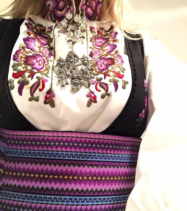 (6) FINN – Beltestakk skjorte i lilla farger