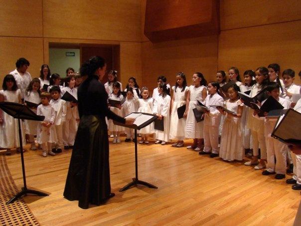 Adriana Sanabria. Músico. Dirección Coral y Dirección Orquestal. Graduada del Instituto Superior de Música de La Habana en las carreras de Dirección Coral y Dirección Orquestal.