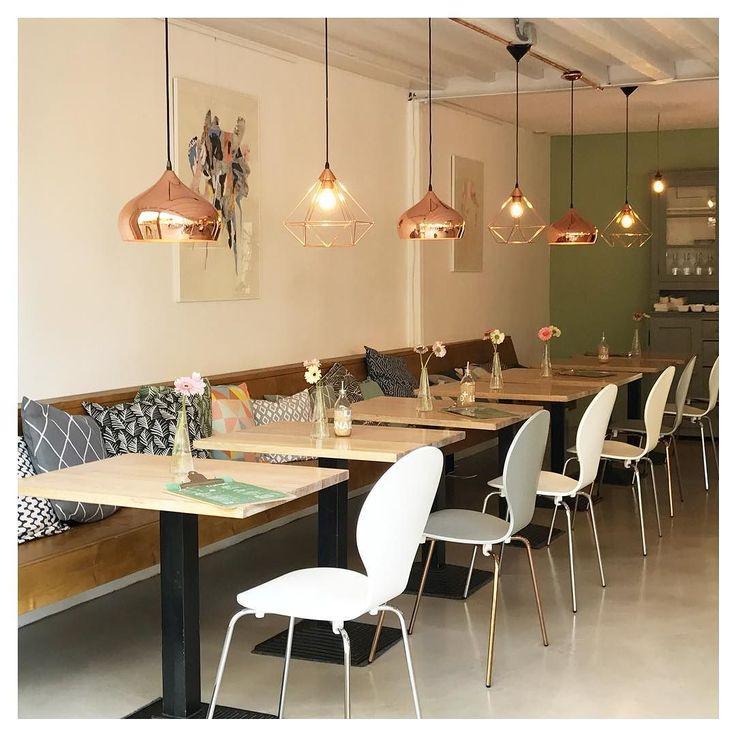 Een nieuwe hotspot op de Weesperstraat (onder @livezoku). Eerlijke keuken koffie en coaching. Én koperaccenten