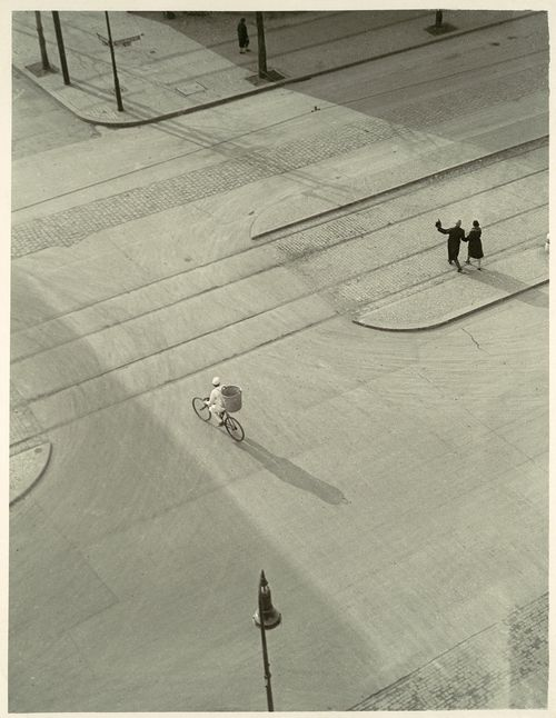 László Moholy-Nagy: 7 a.m. New Year's Morning, c.1930.