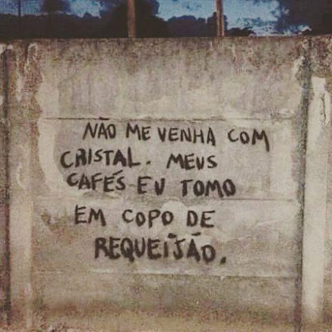 #Repost @simonesiss ・・・ #olheosmuros #siss #artederua #arteurbana #poesiaurbana http://ift.tt/1KDI3Qg