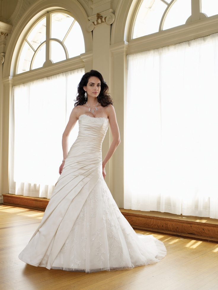 Wedding dresses and bridals gowns by David Tutera for Mon Cheri for every bride at an affordable price  |  Wedding Dress  |  Style #111201 Ambrosia