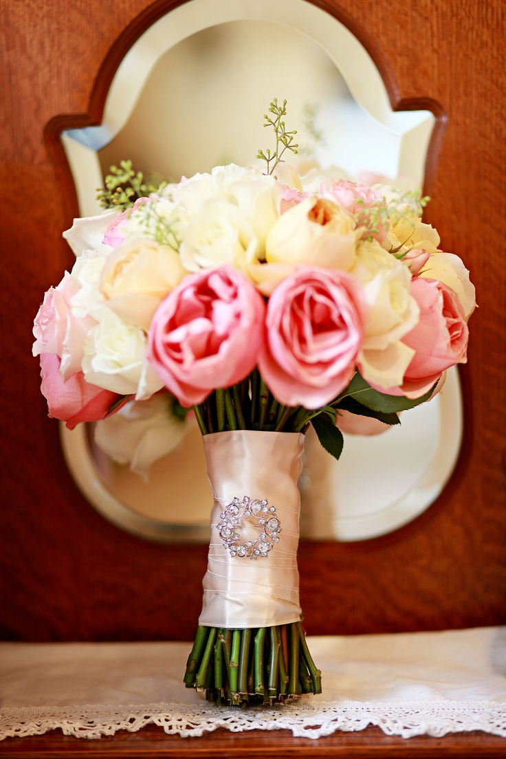 Bride's bouquet with grandmother's pin