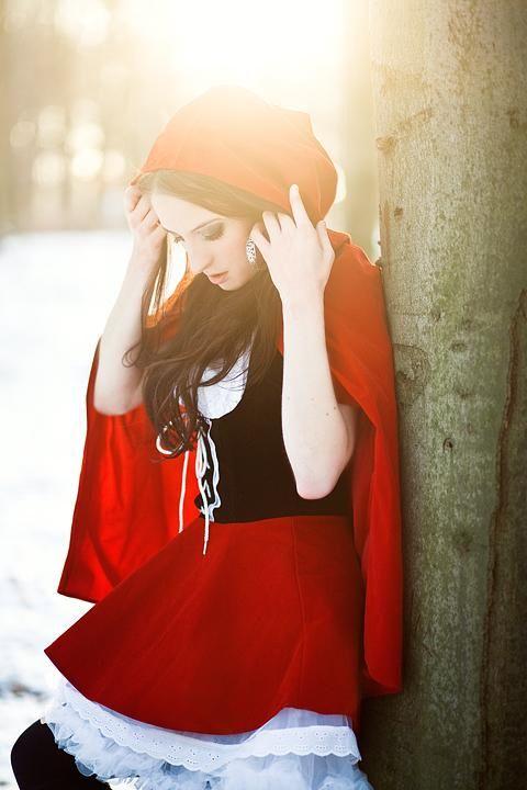 "lacarpa: ""Little Red Riding Hood by Josefine Jönsson """