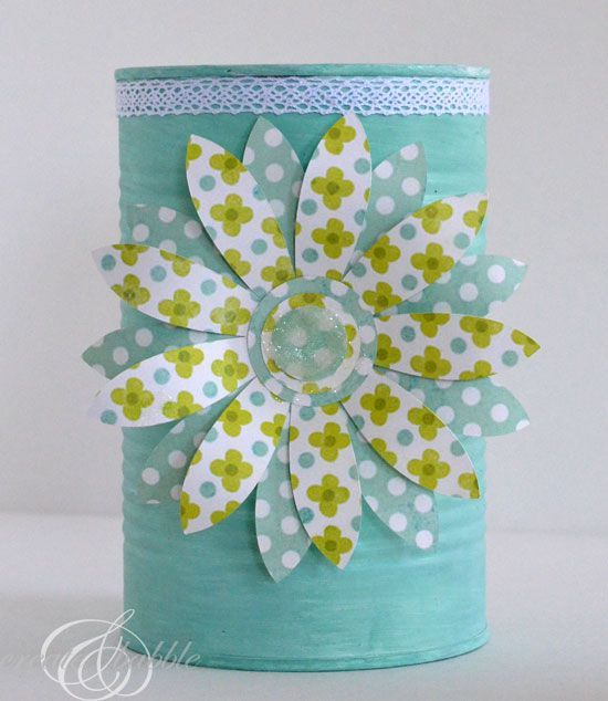 Upcycled Tin Can Craft #DIY | http://doityourselfcollections.blogspot.com