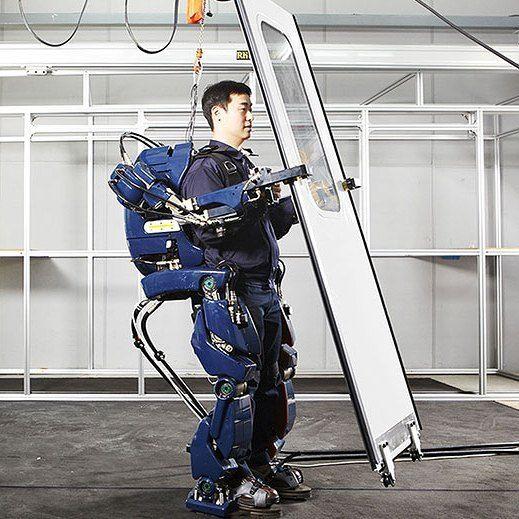 Hyundais Wearable Robot  #designinspiration #productdesign #industrialdesign #designlife #designs #designoftheday #designart #designing #behance #artdesign #crativedesign #robot #robots #exoskelton #share #exo #technology #tech #science #electronics #instagood #engineering #instatech #innovation #techy #future