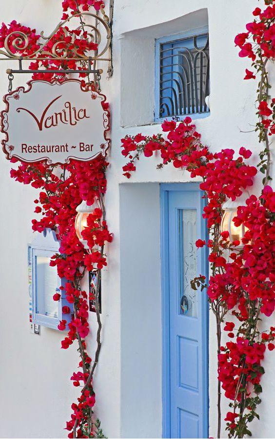 Vanilla Bar ● Santorini, Greece