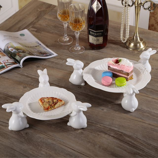 Nórdico bonito cerâmica branca três coelho hold bandeja de bolo prato de frutas pratos de sobremesa de casamento casa decorações criativas ornamentos