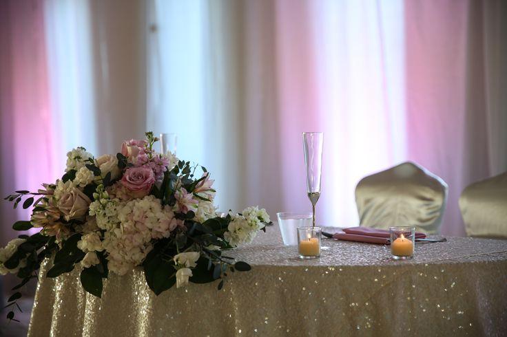 17 Best Ideas About Head Table Backdrop On Pinterest: 17 Best Ideas About Sweetheart Table On Pinterest