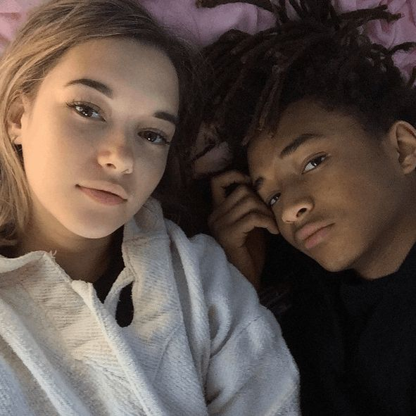 More gist on Jaden Smith: The 17-year-old relationship with OLDER girlfriend Sarah Snyder is causing DRAMA! - http://www.nollywoodfreaks.com/more-gist-on-jaden-smith-the-17-year-old-relationship-with-older-girlfriend-sarah-snyder-is-causing-drama/