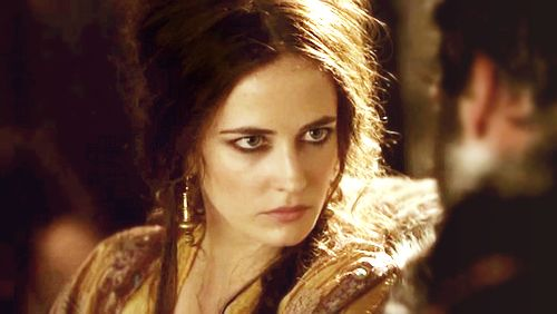 Eva Green's stunning eye-make-up as Morgan. Hard to find a screen cap that does this justice but it really is the  most beautiful smoky eye I have ever seen.