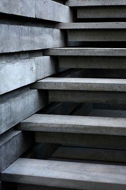 Concrete staircase Outdoor decoration Architecture ++ Escalier en béton +++ Escalera de cemento Decoracion Arquitectura Exterior ++ João Quintela et Tim Simo |