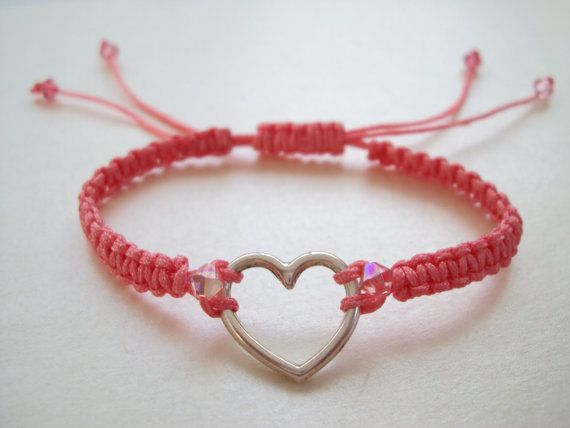 Pink romantic macramé bracelet with heart and Swarovski crystals