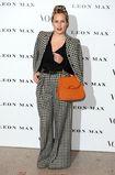 Vogue 100: Карли Клосс и Дакота Джонсон на открытии выставки A Century of Style в Лондоне | Glamour.ru