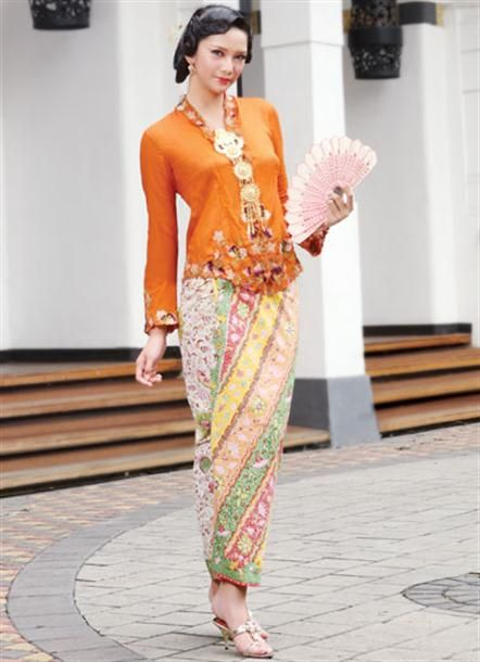 kebaya & batak style of broosch