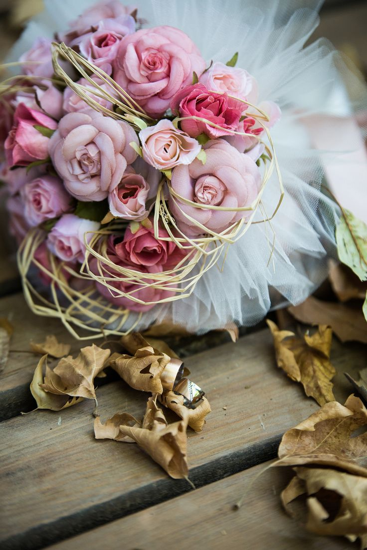 #bridalbouquet #ring #wood #vintage #pink #wedding