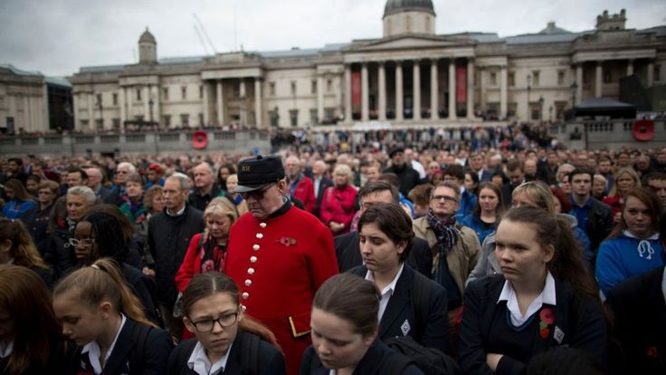 Armistice Day: Nation remembers war dead - BBC News