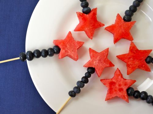 Fourth of July Red, White and Blue Wands #dyefree