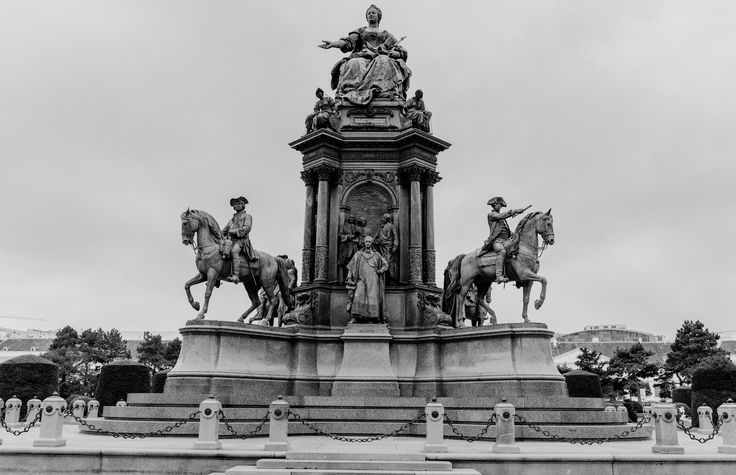 https://flic.kr/p/ufhXHE | Maria-theresien-platz, Vienna, Austria