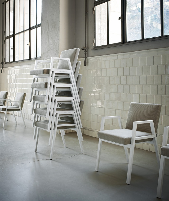 Babela Chair by Achille Pier & Giacomo Castiglioni for Tacchini. Available from Stylecraft.