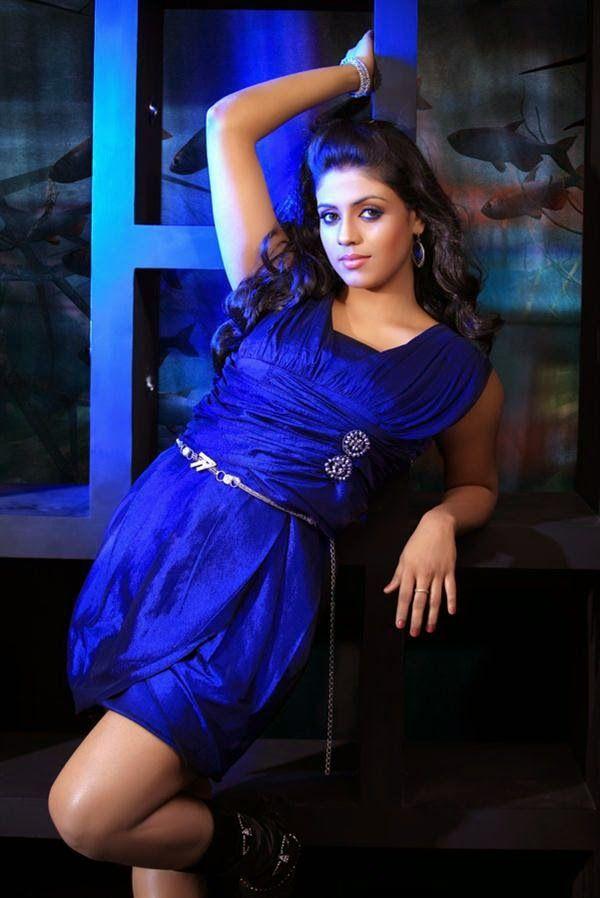 tamil-actress-iniya-hot-pictures-gallery-12.jpg (600×898)