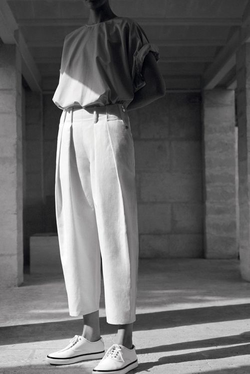 Hermès-Vestiaire-SS15 | Wide Leg Narrow Pant Leg | Oversized Shirt | Sneaker | Style | Simple and Minimal | theUNDONE #beundone